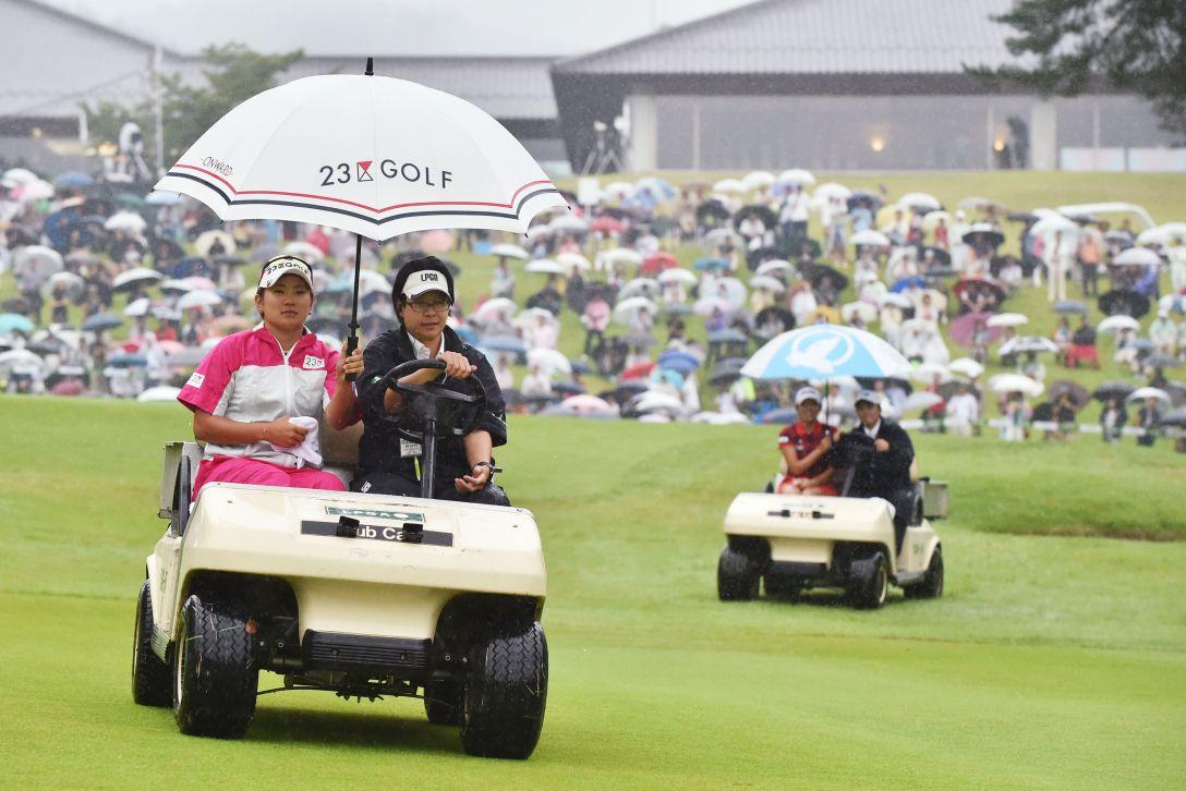 ゴルフ5レディス 最終日 イボミ・成田美寿々<写真:Atsushi Tomura/Getty Images>