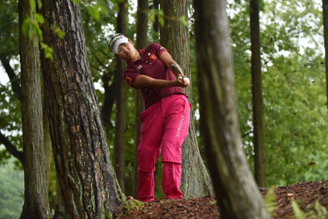 ゴルフ5レディス 最終日 成田美寿々<写真:Atsushi Tomura/Getty Images>