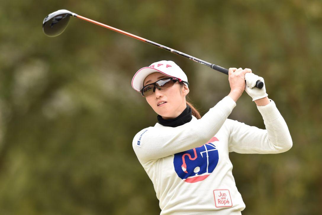 ヨコハマタイヤゴルフトーナメントPRGRレディスカップ 最終日 飯島茜 <Photo:Atsushi Tomura/Getty images>