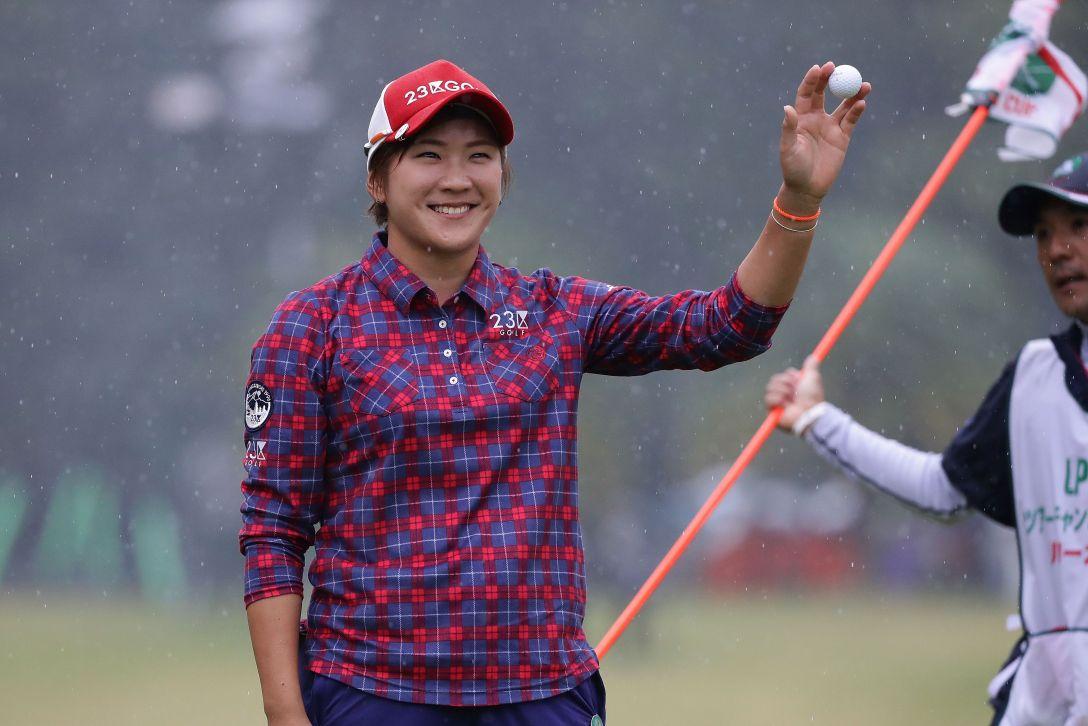 LPGAツアーチャンピオンシップリコーカップ 最終日 成田 美寿々 <Photo:Chung Sung-Jun/Getty Images>