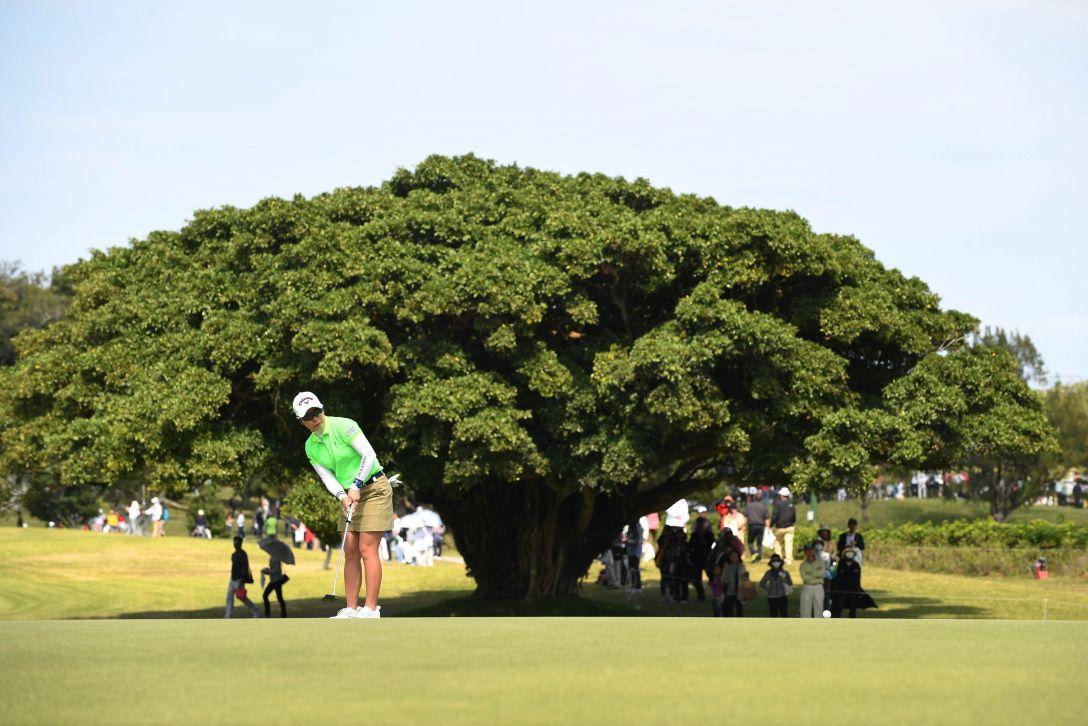 ダイキンオーキッドレディスゴルフトーナメント 最終日 比嘉 真美子 <Photo:Atsushi Tomura/Getty Images>