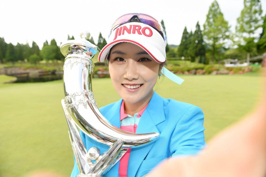 サントリーレディスオープンゴルフトーナメント 最終日 キムハヌル <Photo:Atsushi Tomura/Getty Images>