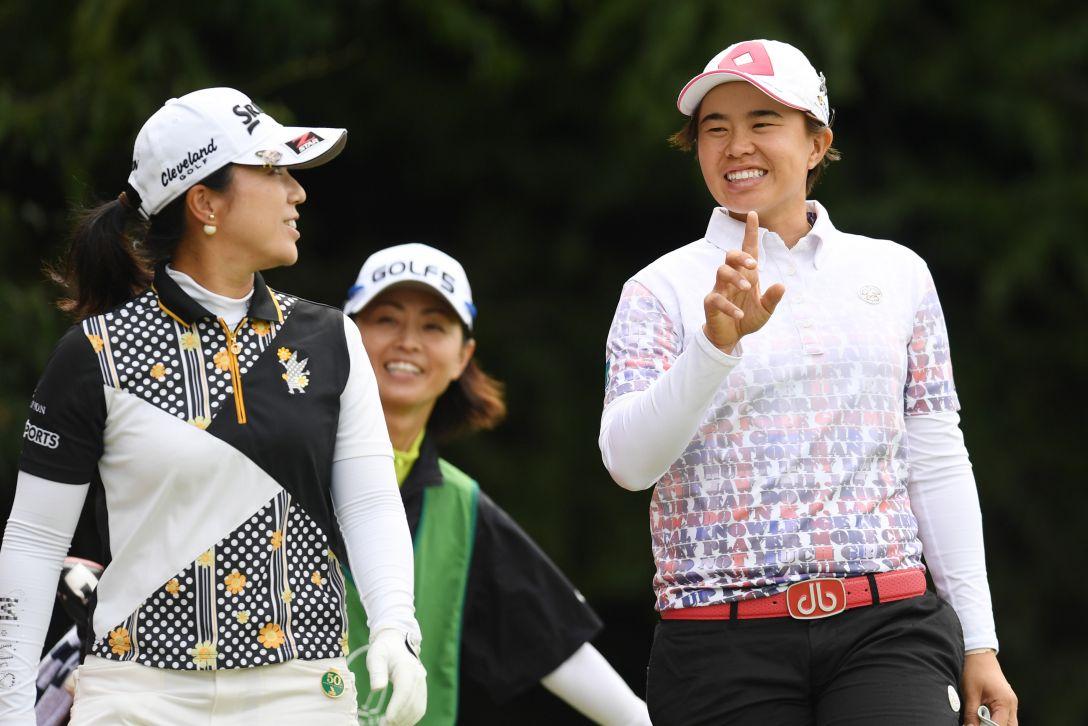 ゴルフ5レディス プロゴルフトーナメント 2日目 下川めぐみ、O.サタヤ <Photo:Atsushi Tomura/Getty Images>