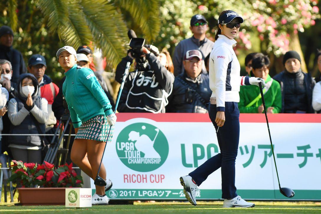 LPGAツアーチャンピオンシップリコーカップ 1日目 鈴木愛 キムハヌル <Photo:Atsushi Tomura/Getty Images>
