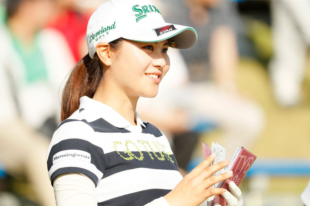 サイバーエージェント レディスゴルフトーナメント 第2日 新垣 比菜 <Photo:Ken Ishii/Getty Images>
