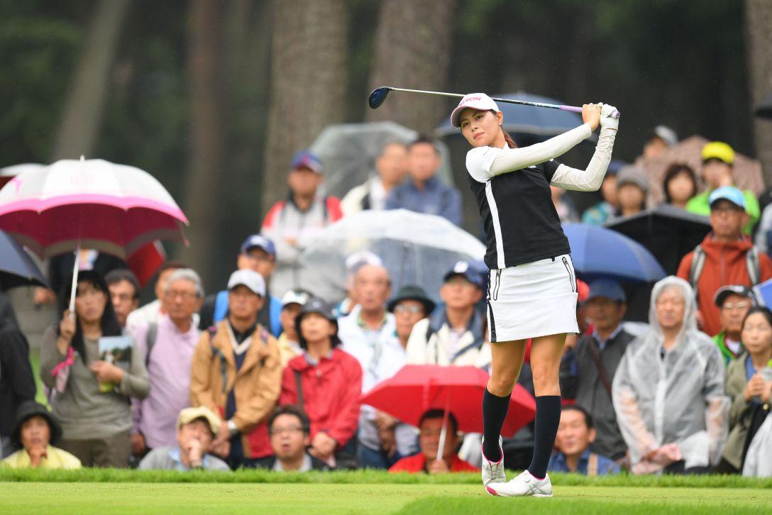 日本女子オープンゴルフ選手権 第3日 新垣比菜 <Photo:Atsushi Tomura/Getty Images>