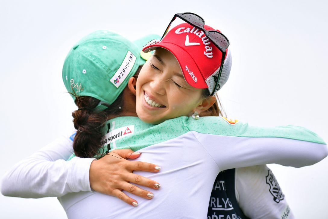 第32回ダイキンオーキッドレディスゴルフトーナメント 3日目 上田桃子 イボミ <Photo:Atsushi Tomura/Getty Images>