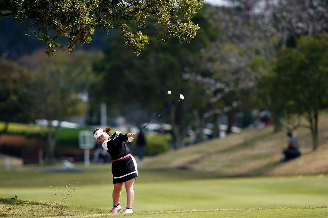 第7回アクサレディスゴルフトーナメント in MIYAZAKI 第2日 吉本ひかる <Photo:Ken Ishii/Getty Images>