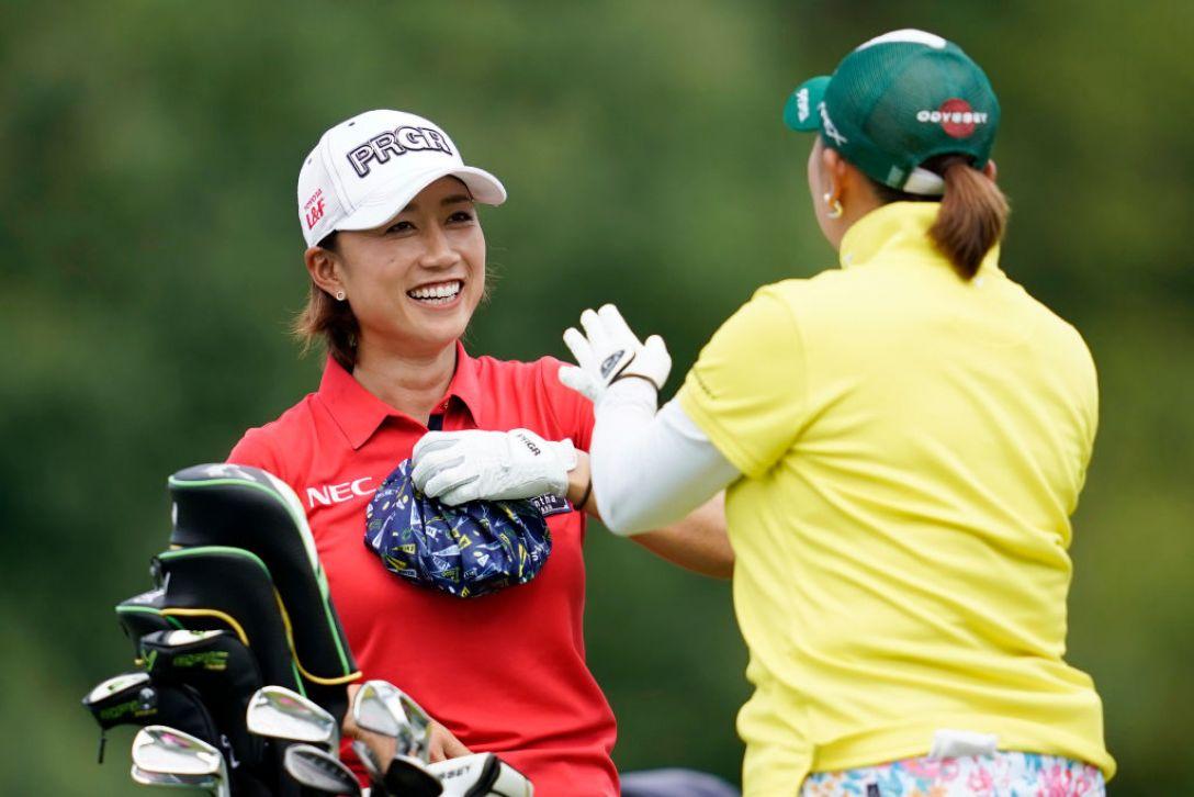 ゴルフ5レディス プロゴルフトーナメント 第2日 原江里菜 佐伯三貴 <Photo:Toru Hanai/Getty Images>