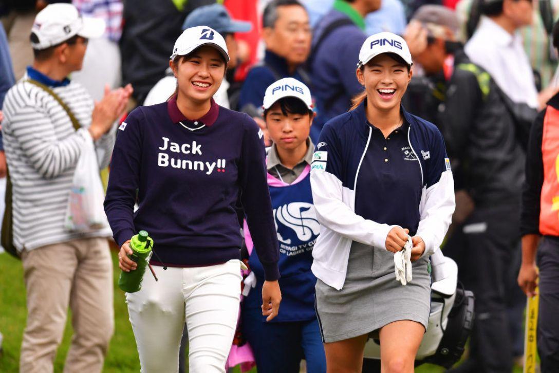 ミヤギテレビ杯ダンロップ女子オープンゴルフトーナメント 第2日 渋野日向子 大里桃子 <Photo:Atsushi Tomura/Getty Images>