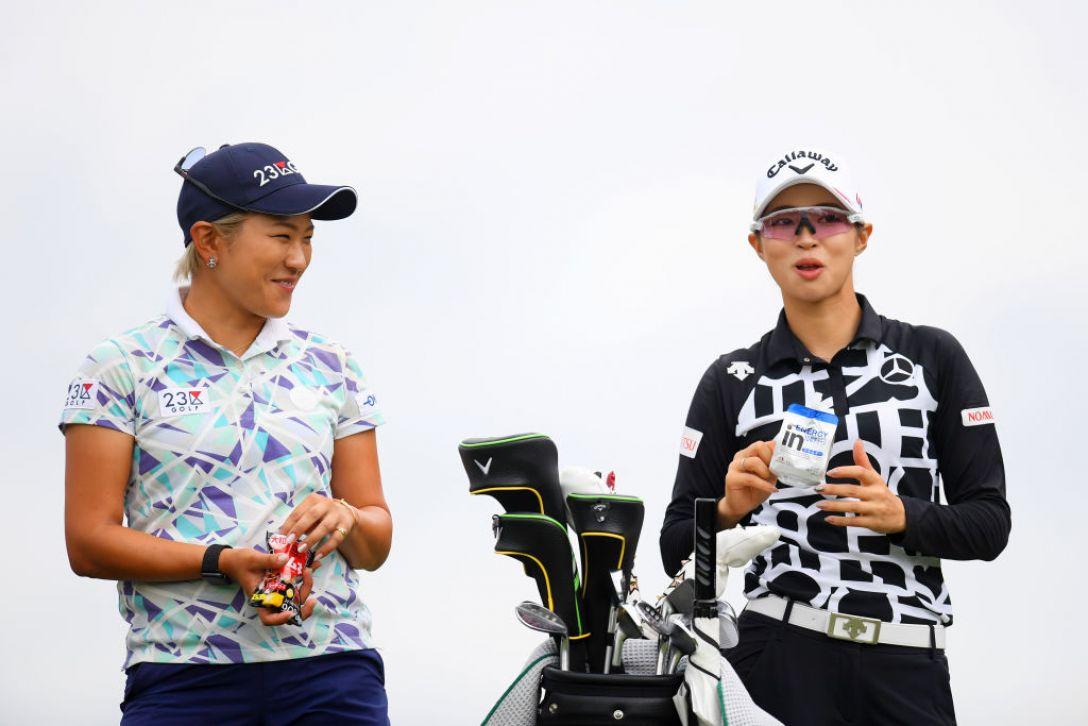 日本女子オープンゴルフ選手権 第1日 成田美寿々 柏原明日架 <Photo:Atsushi Tomura/Getty Images>