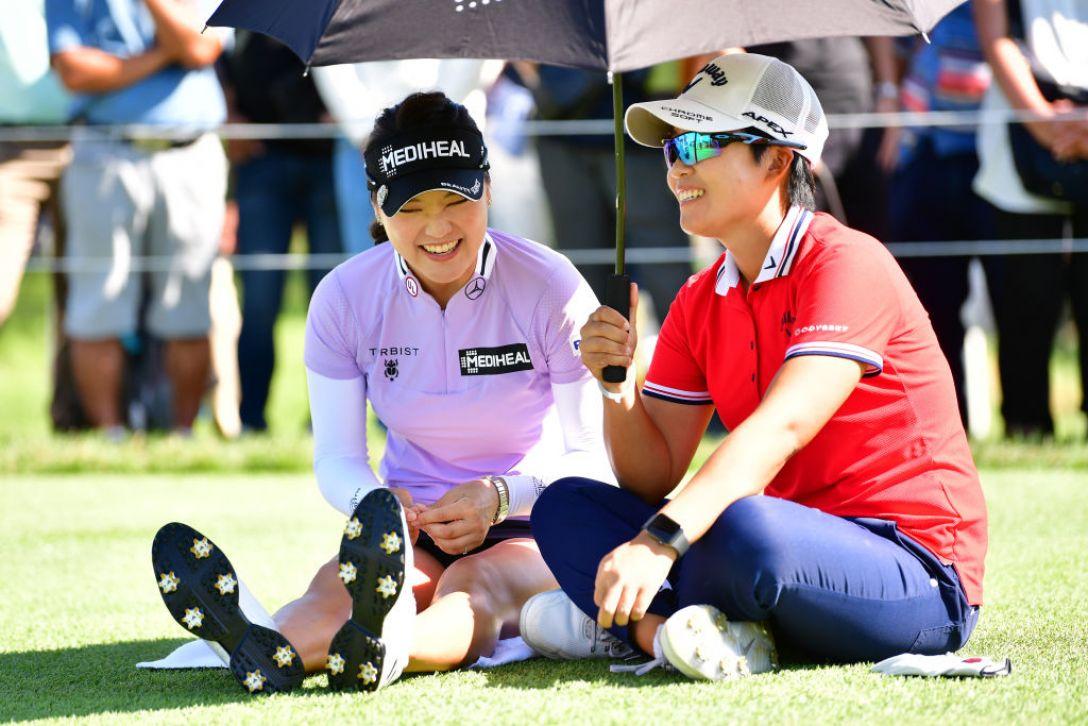 日本女子オープンゴルフ選手権 最終日 ぺヒギョン ユソヨン <Photo:Atsushi Tomura/Getty Images>