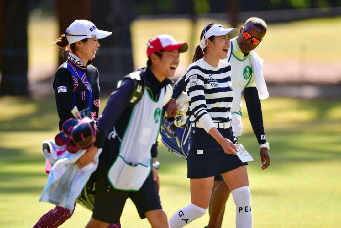 LPGAツアーチャンピオンシップリコーカップ 第3日 原英莉花 李知姫 <Photo:Atsushi Tomura/Getty Images>