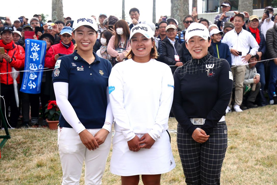 LPGAツアーチャンピオンシップリコーカップ 最終日 鈴木 申 渋野日向子 <Photo:Atsushi Tomura/Getty Images>