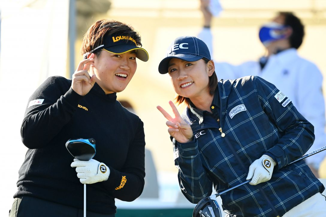アクサレディスゴルフトーナメント in MIYAZAKI 2021 第1日 工藤遥加 原江里菜 <Photo:Atsushi Tomura/Getty Images>