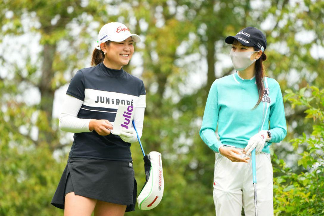 ECCレディスゴルフトーナメント 第1日 倉田珠里亜 米澤有 <Photo:Masterpress/Getty Images>