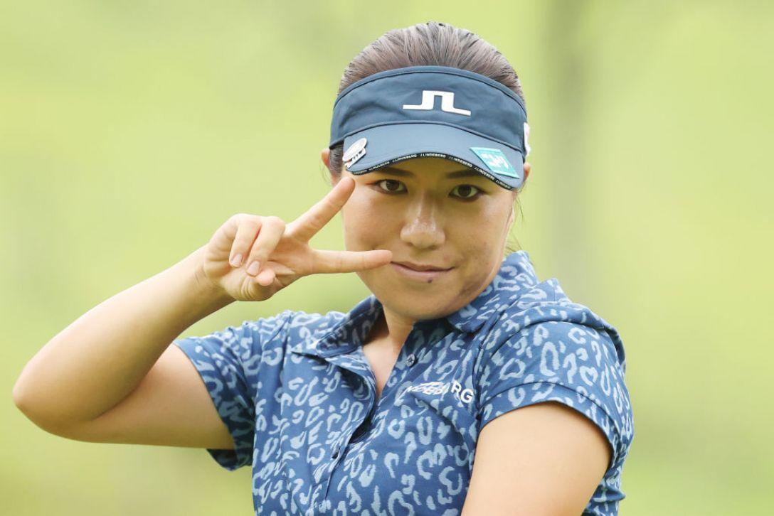 ゴルフ5レディス プロゴルフトーナメント 第2日 岡山絵里 <Photo:Atsushi Tomura/Getty Images>
