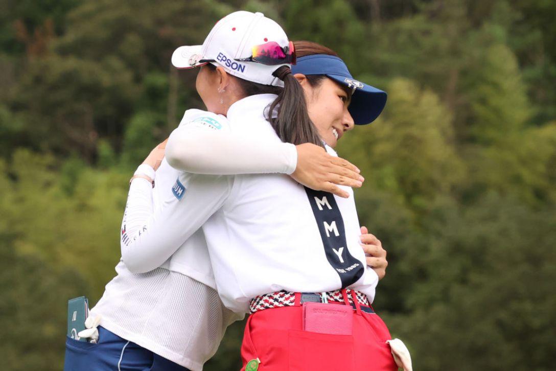 ゴルフ5レディス プロゴルフトーナメント 最終日 岡山絵里 吉田優利 <Photo:Atsushi Tomura/Getty Images>